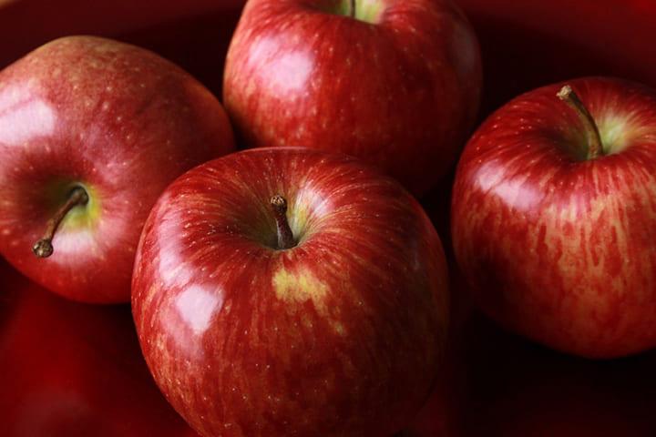 Trong số nhiều hoa quả, táo là loại quả được yêu thích nhất
