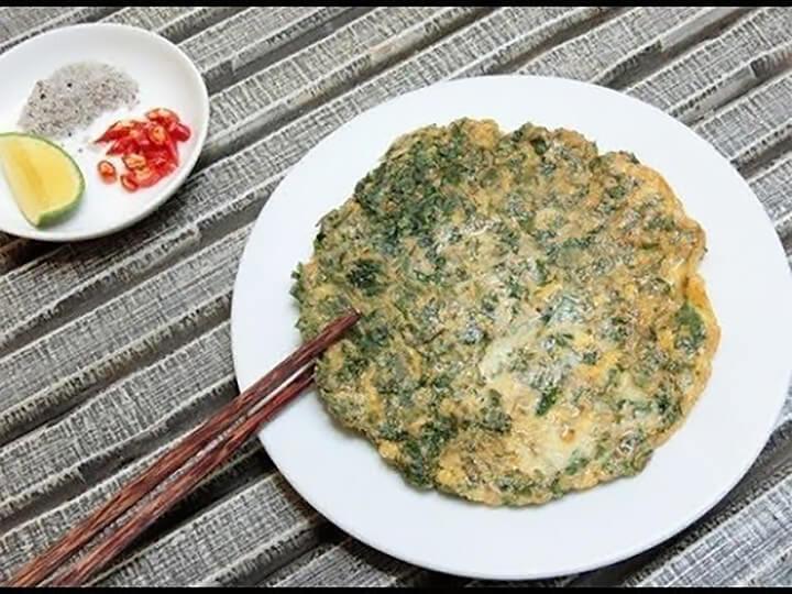 Trứng gà chiên lá mơ là món ăn ngon, dễ làm