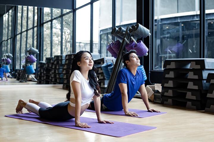"""Yoga giúp phụ nữhạnh phúc hơn trong chuyện """"chăn gối"""""""