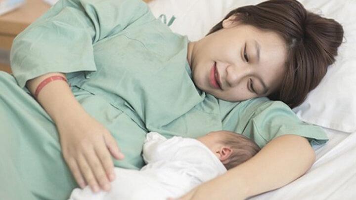 Phụ nữ mới sinh không nên ngồi ghế massage.