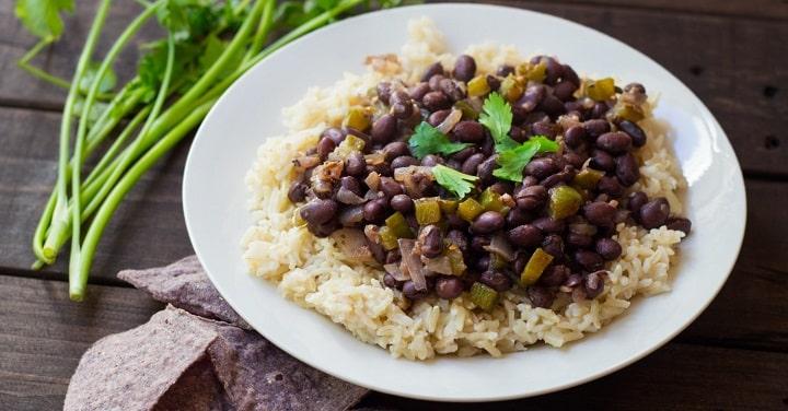 Cơm gạo lứt đậu đen