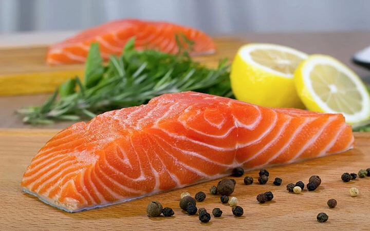Omega-3 trong cá hồi giúp cải thiện lưu thông máu