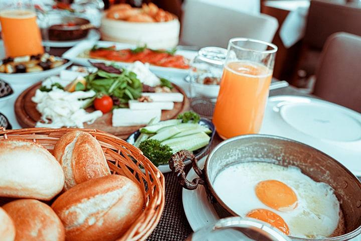 Bánh mì trứng ốp là món khoái khẩu khi tập gym