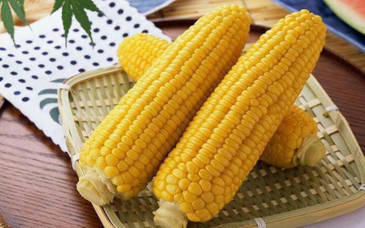 Ngô là thực phẩm có hàm lượng calo tương đối cao
