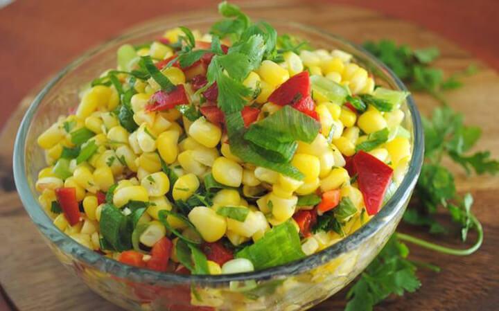 Salad ngô thanh đạm, giàu chất xơ
