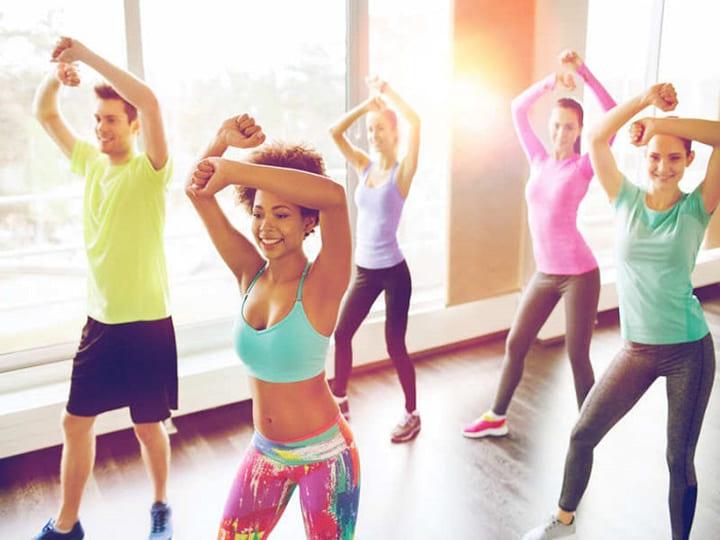 Bài tập Aerobic lắc eo giảm mỡ bụng thon gọn