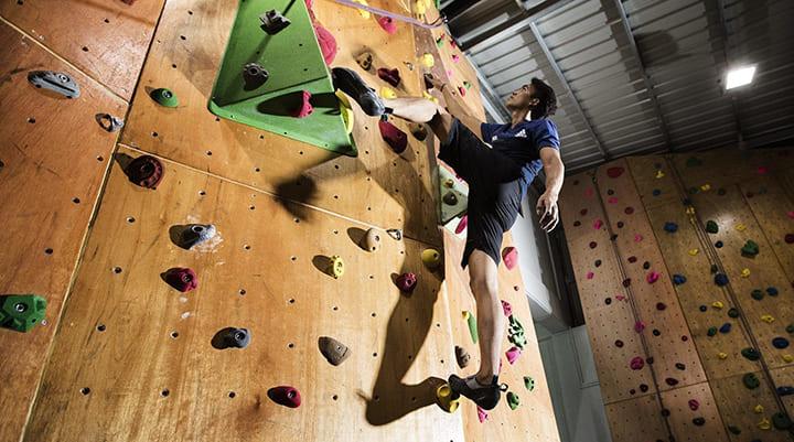 Bài tập leo núi rất phù hợp cho những ai ưa mạo hiểm