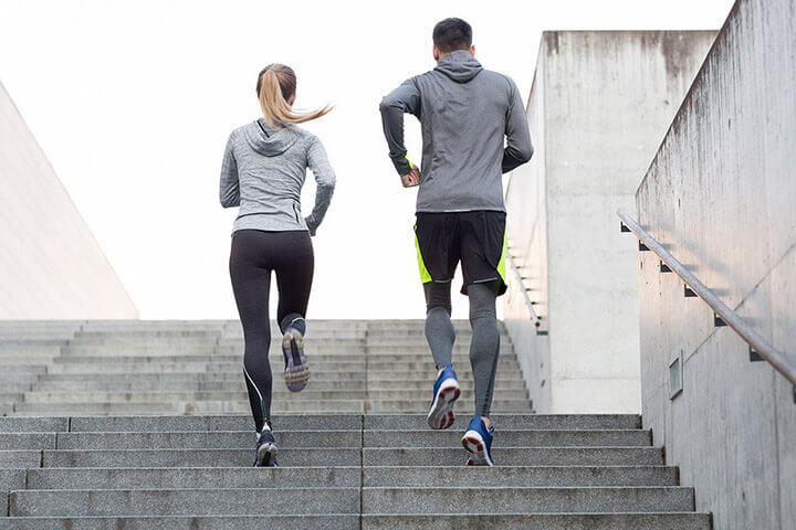 Chạy leo cầu thang - 1 bài tập nâng cao sức bền bổ trợ cho chạy 100m