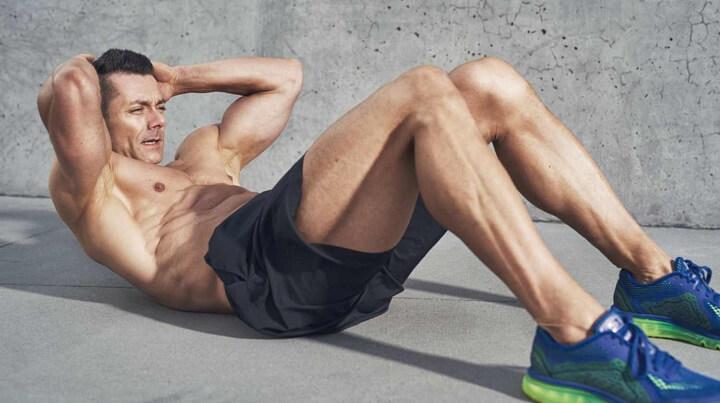 Gập bụng là động tác tập luyện giúp giảm mỡ vòng eo hiệu quả