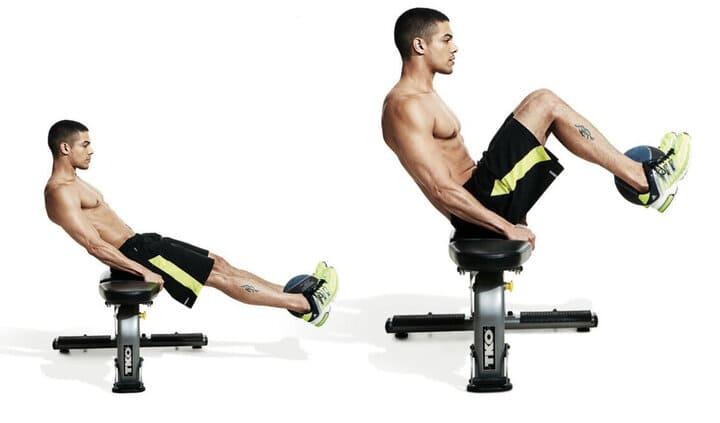 Seated Bench Leg Pull-Ins phù hợp với nam giới vì có đôi tay khỏe mạnh hơn phụ nữ