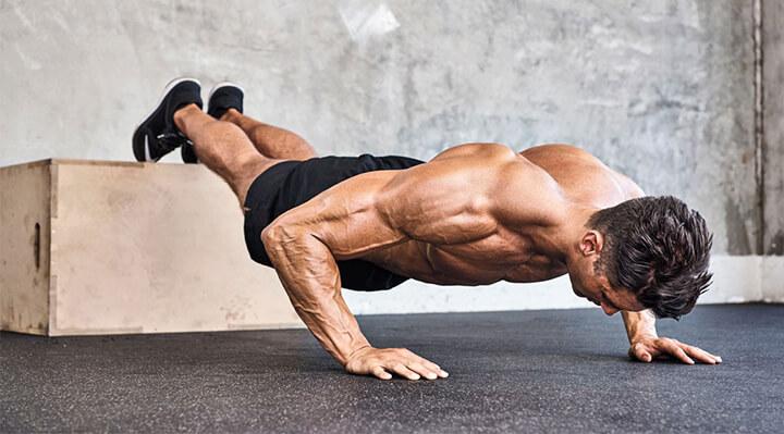Hít đất tác động lớn đến toàn bộ các cơ của nam giới, cả phần bụng dưới