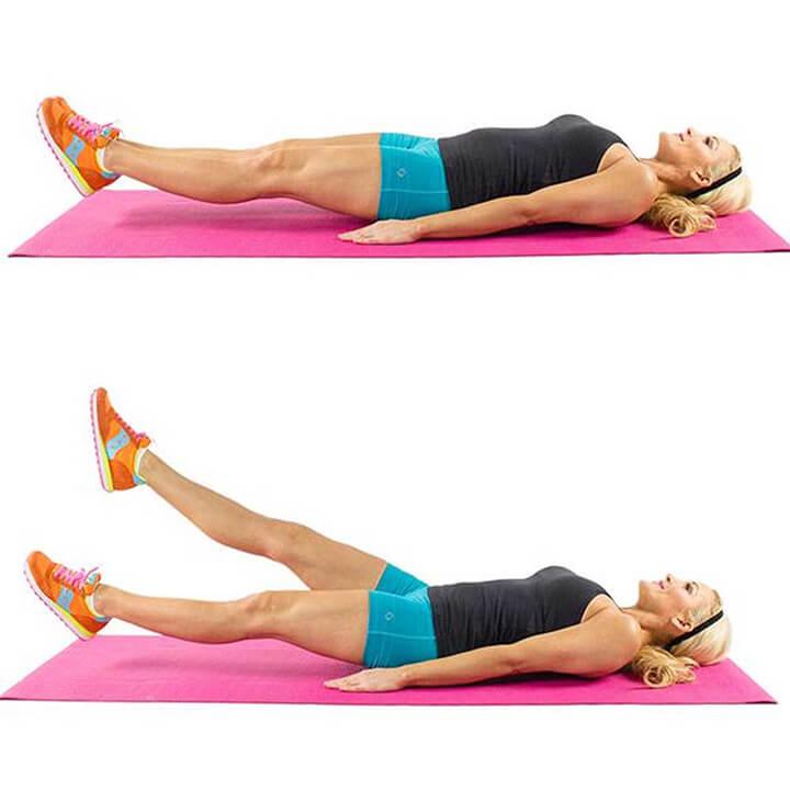 Tập đá chân cắt kéo giúp săn gọn cơ bụng