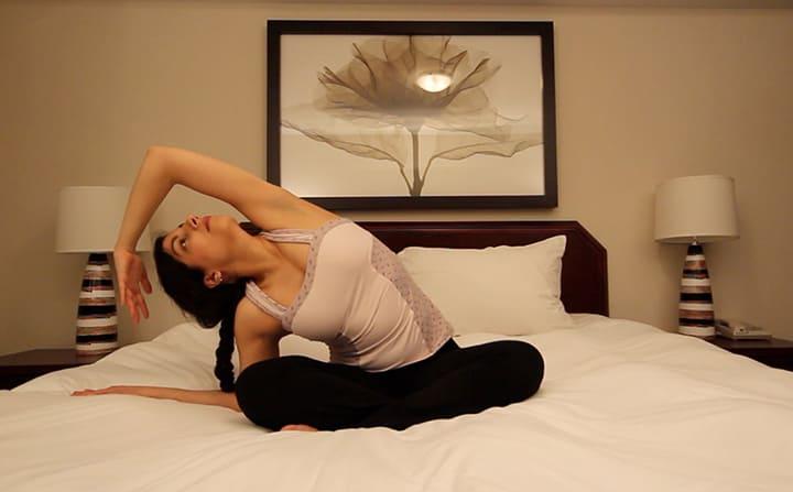 Tập thể dục trên giường cũng mang lại hiệu quả không kém