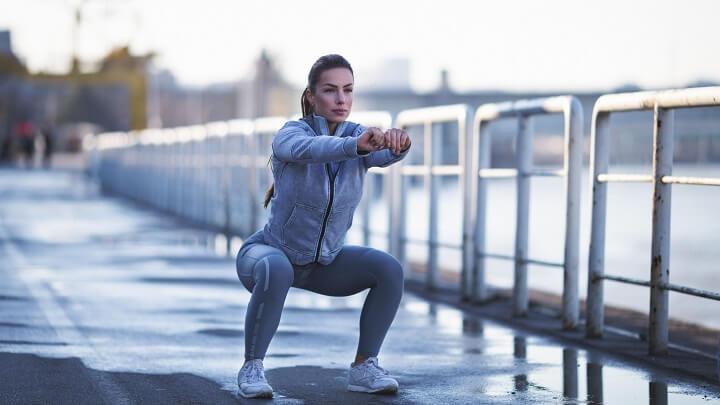 Rèn luyện các bài tập Squat dưới đây thường xuyên sẽ giúp giảm mỡ bụng và tăng kích thước vòng 3 hiệu quả