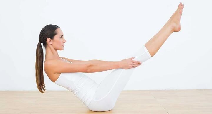 Tư thế này giúp cho bụng phẳng và đốt cháy lượng mỡ quanh eo tuyệt vời