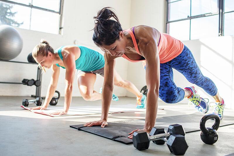 10+ bài tập giảm mỡ toàn thân hiệu quả nhanh gọn tại nhà từ HLV