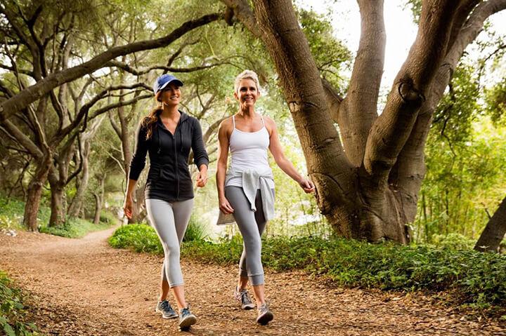 Đi bộ nhẹ nhàng cũng là cách giảm căng thẳng hiệu quả