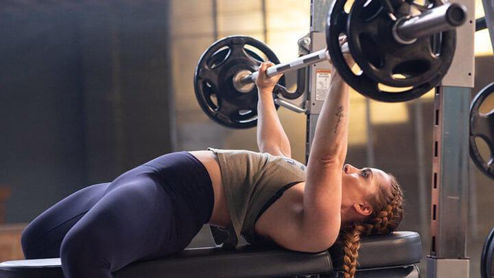 Bài tập gym Bench Press tăng vòng 1 cho nữ