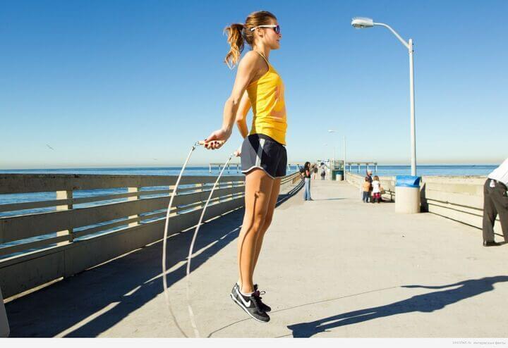 Bài tập nhảy dây giúp đốt cháy mỡ thừa, hỗ trợ giảm cân