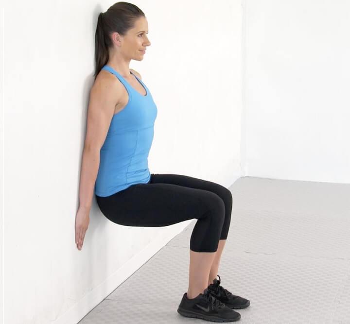 Bài tập ngồi tựa lưng vào tường rất tốt cho hệ tiêu hóa, tránh gây béo bụng