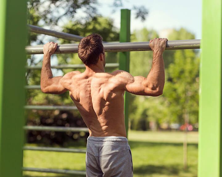 Đu xà giúp kéo giãn cột sống, thắt lưng hiệu quả góp phần tăng chiều cao