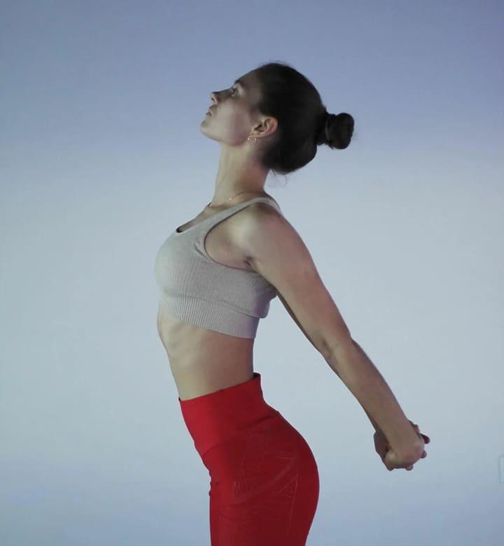 Bài tập duỗi ngực giúp tăng kích thước vòng 1 hiệu quả