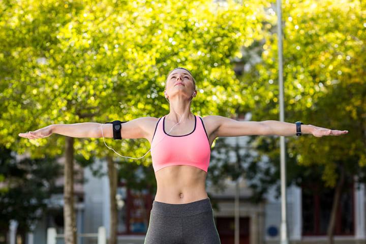 Bài tập xoay tay giúp tăngsize ngực siêu hiệu quả