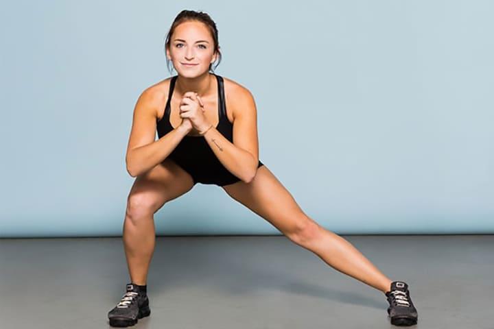 Bài tập này không chỉ giúp vòng 3 tăng kích cỡ mà còn giúp đôi chân săn chắc hơn