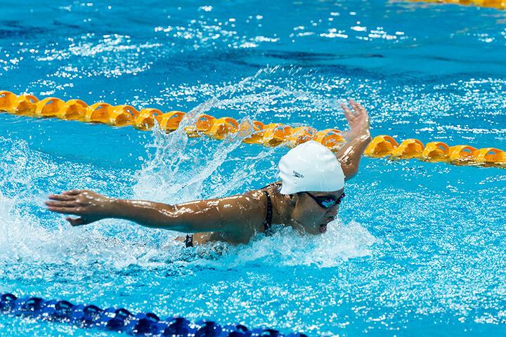 Bơi lội là hoạt động thể chất tốt cho người thiếu máu não