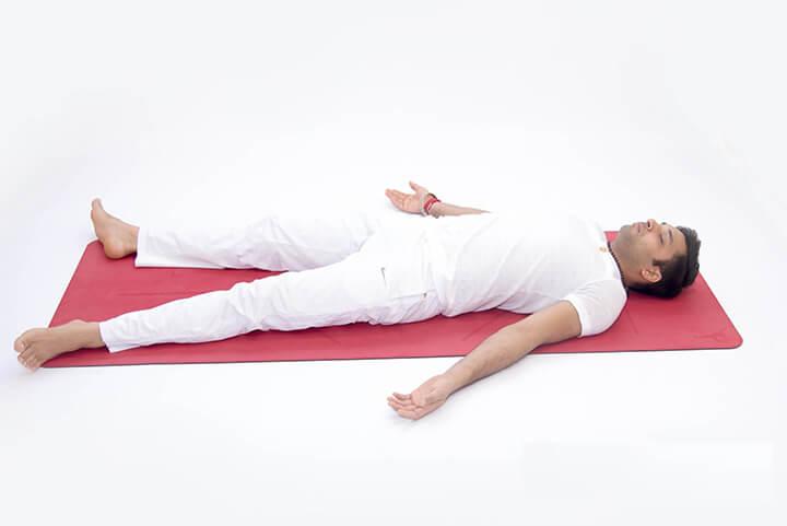 Bài tập thể dục cho người thiếu máu não nằm thở bụng được nhiều người áp dụng
