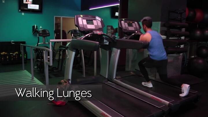 Bài tập Walking Lunges trên máy chạy bộ