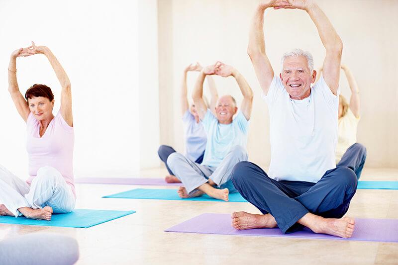 Top 12 bài tập Yoga cho người cao tuổi dẻo dai, sống thọ hơn