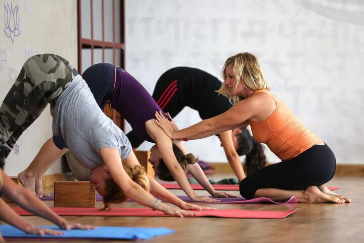 Hãy giữ thói quen tập yoga thường xuyên để có sức khoẻ tốt.