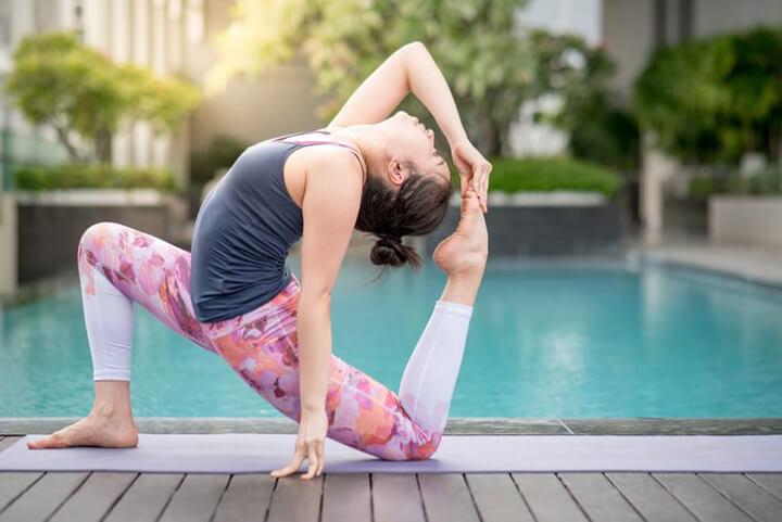Yoga là bộ môn thể thao giúp tiêu hao mỡ bụng rất tốt