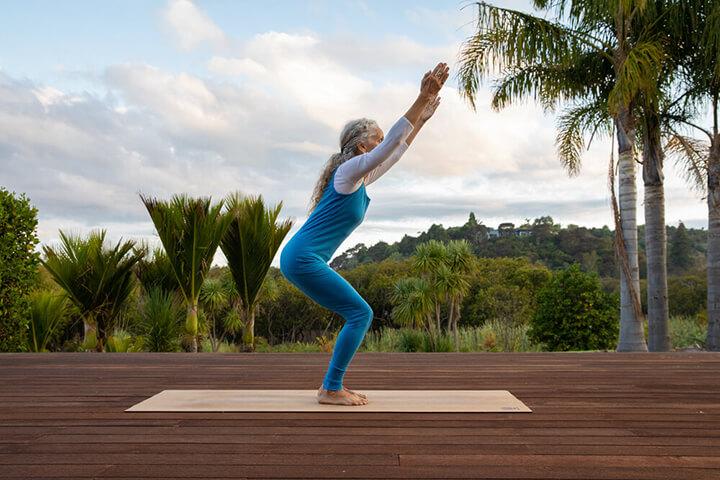 Bài tập Yoga cái ghế đơn giản, dễ tập luyện