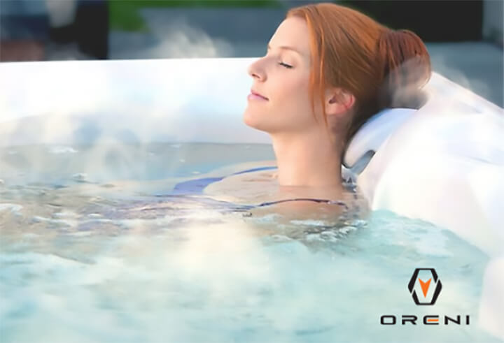 Tắm nước nóng sẽ giúp bạn thư giãn, giảm cơn đau nhanh chóng