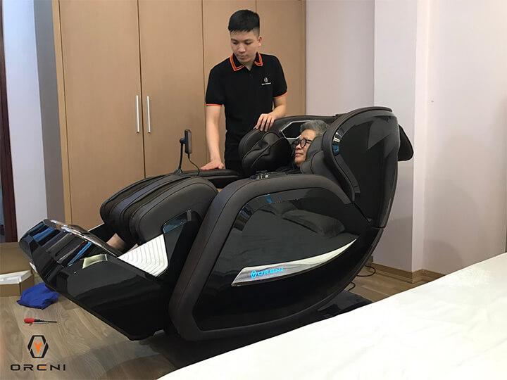 Sử dụng ghế massage mỗi ngày loại bỏ cơn đau đầu an toàn, hiệu quả