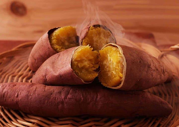 Bạn nên ăn các thực phẩm chứa ít tinh bột như khoai lang giúp giảm cân nhanh chóng