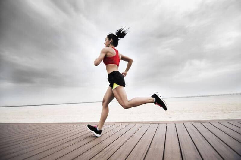 8 bài tập bổ trợ cho chạy 100m giúp chạy nhanh hiệu quả hơn