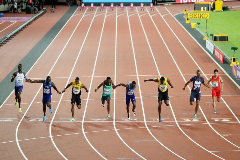 Cách chạy 100m nước rút về đích nhanh nhất cho người mới