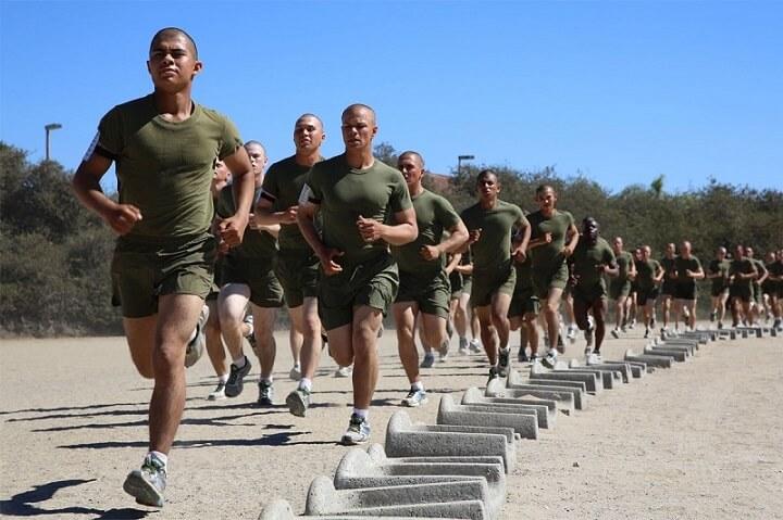 Loại hình tập này kết hợp với chạy bộ sẽ giúp bạn giảm cân tối ưu, hạn chế khả năng to chân