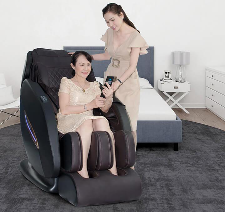 Nên tham khảo ý kiến bác sĩ trước khi mua ghế massage