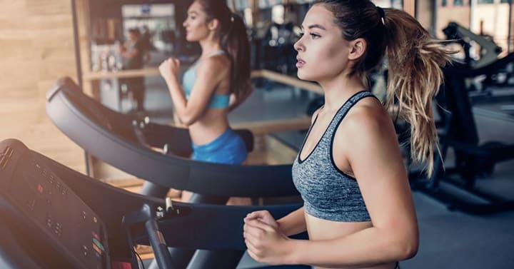 Hít thở đúng cách khi chạy bước nhỏ để tập luyện lâu hơn