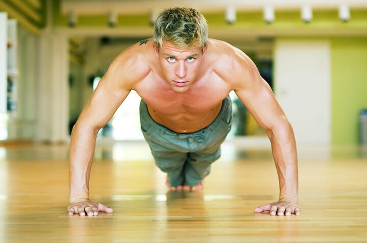 Hít thở đúng giúp bạn tập chống đẩy hiệu quả hơn