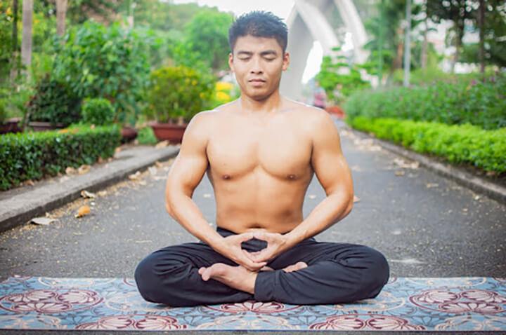 Tập thở Yoga tại nhà có thể áp dụng bài tập tư thế Kapalbhati