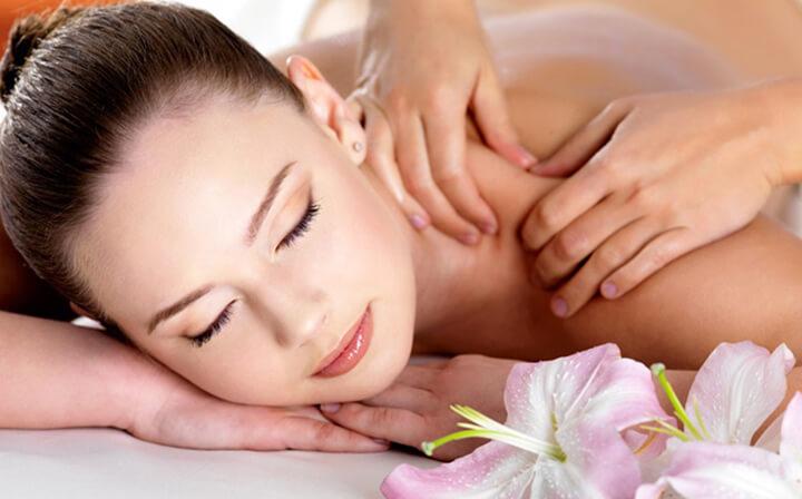 Massage cổ, vai mang đến nhiều lợi ích cho cơ thể