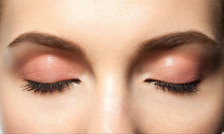 """Tạo thói quen massage mắt để chăm sóc """"cửa sổ tâm hồn"""" tốt hơn"""