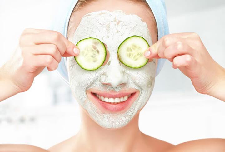Dưa leo có nhiều thành phần giúp giảm thâm quầng quanh mắt
