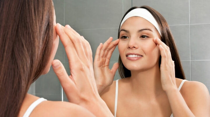 Massage quanh vùng mắt giảm vết thâm quầng đơn giản với phương pháp Shiatsu
