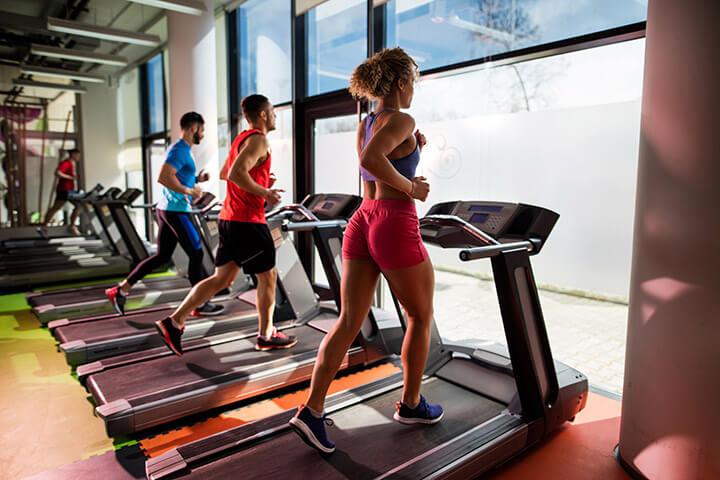 Máy chạy bộ đang là thiết bị thể dục rất được ưa chuộng hiện nay